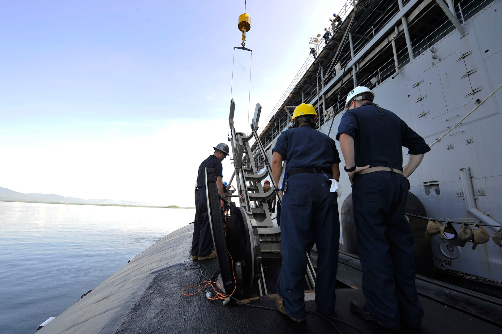 USS Emory S. Land Conducts Weapons Handling Training Evolution with USS Asheville