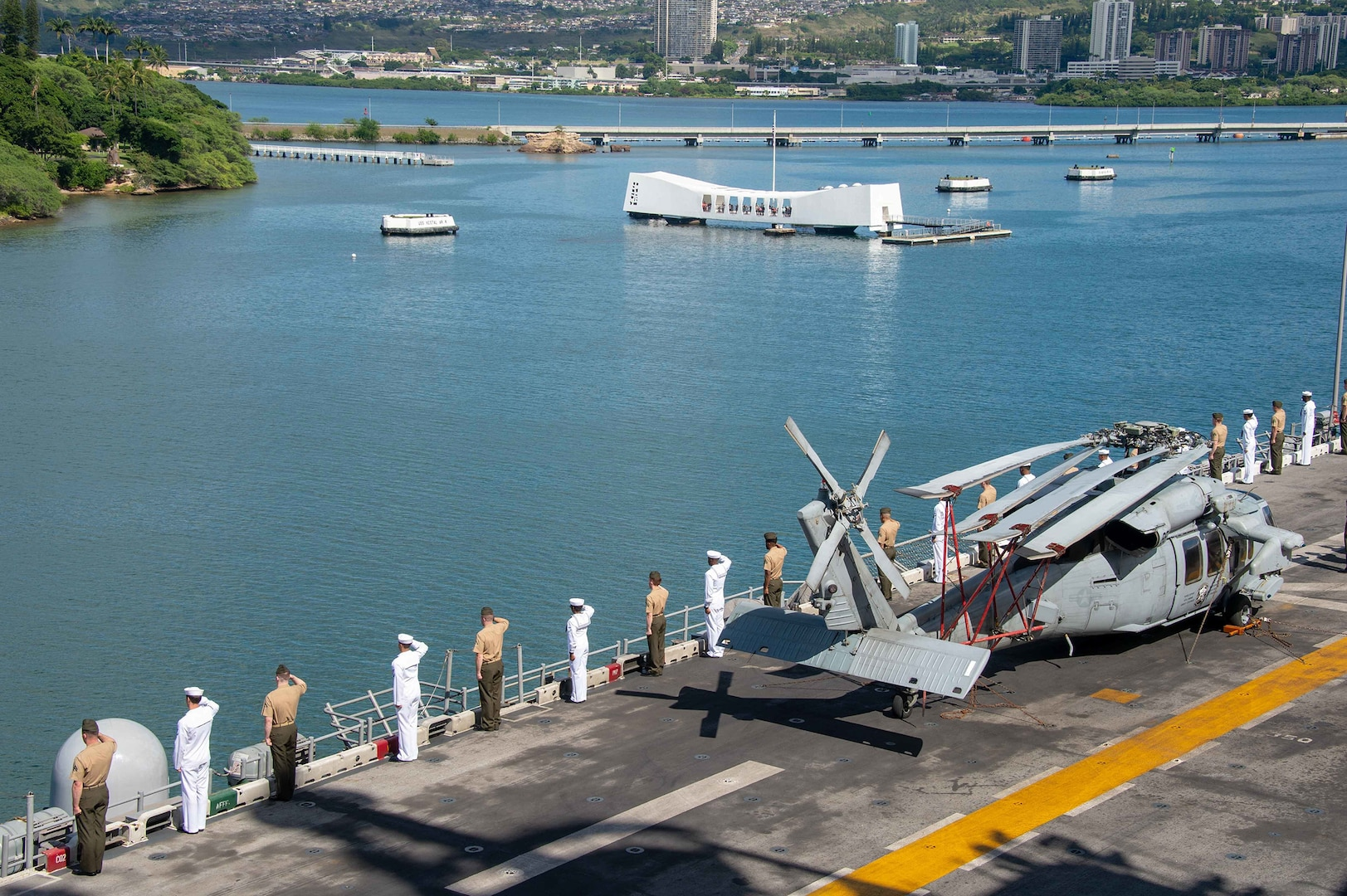 Boxer Amphibious Ready Group, 11th MEU Arrive in Pearl Harbor