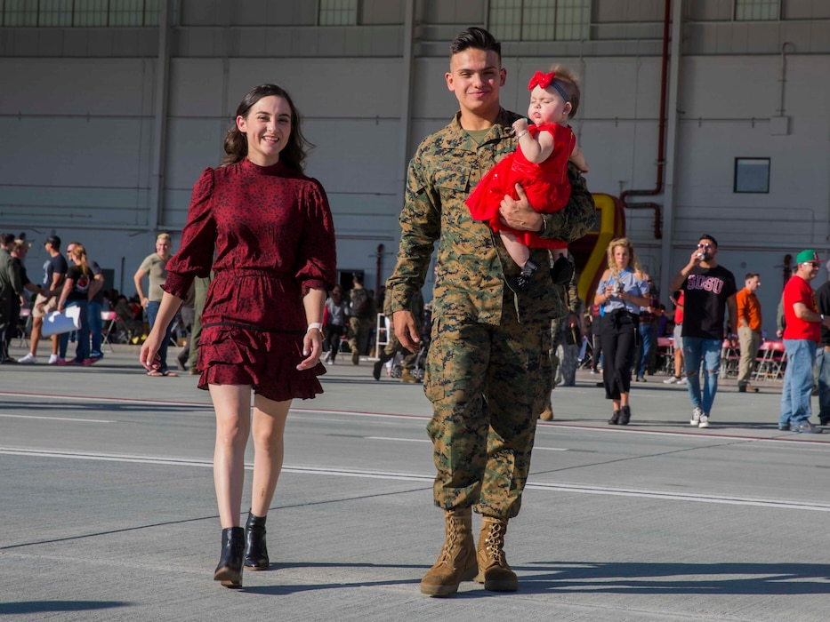 Marine Medium Tiltrotor Squadron 163 Homecoming