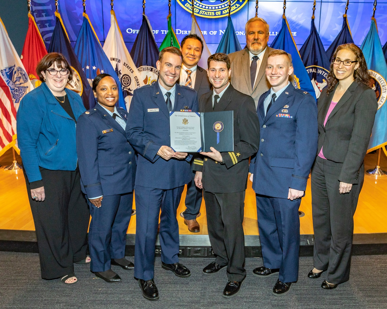 NRO receives IC team award for outstanding service