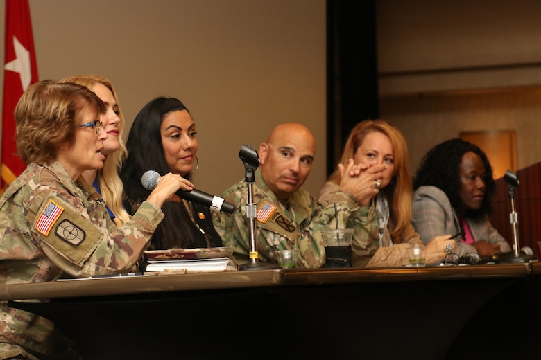 Army Reserve, California Guard come together for Yellow Ribbon event