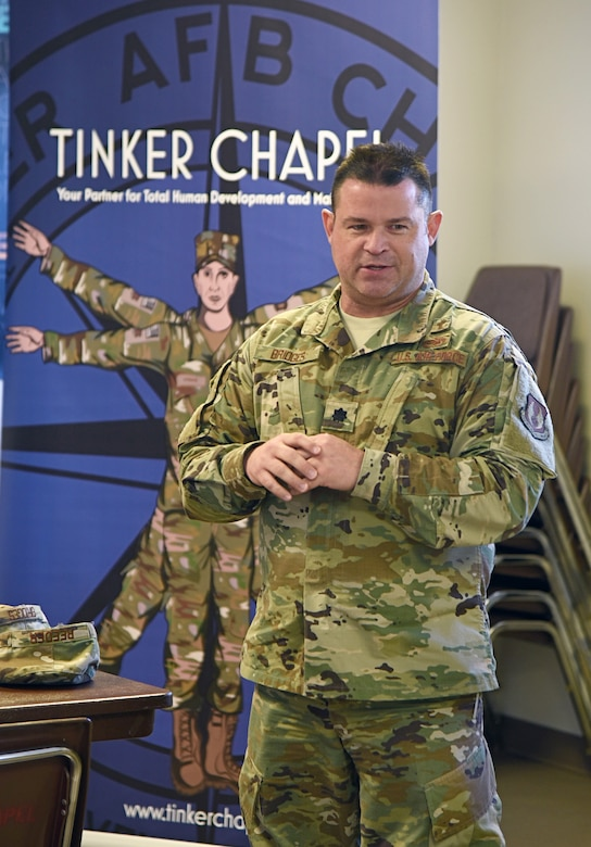 An image of the 72ABW Ch. (Lt. Col.) Sam Bridges at the Tinker Ministerial Alliance luncheon Nov. 14