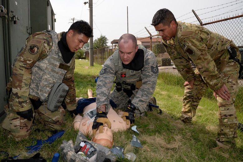 Osan Medics train for battlefield care