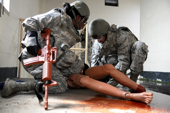 Osan Medics train for battlefield care