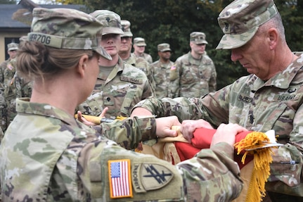 652nd Regional Support Group arrives in Poland, uncases unit colors