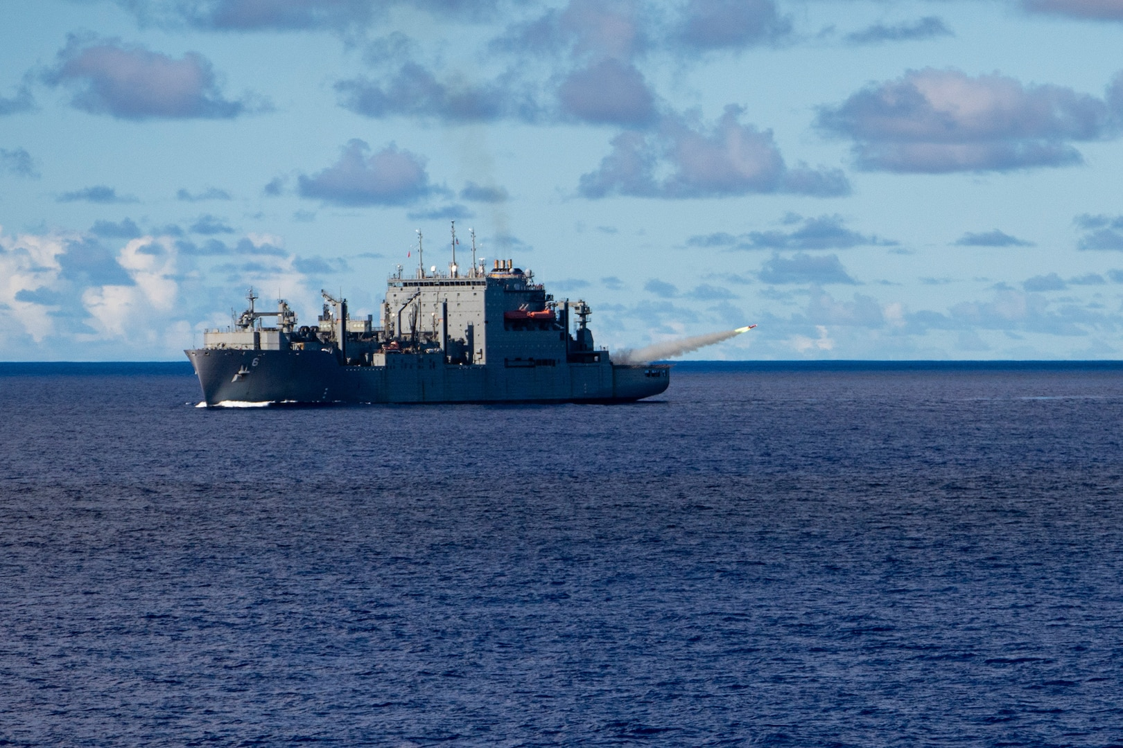U.S., Republic of Singapore navies conduct SINKEX during Pacific Griffin