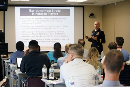 Retired U.S. Army Col. (Dr.) Francis G. O'Connor, a professor in Military and Emergency Medicine and the medical director for the Consortium on Health and Military Performance, Uniformed Services University, lectures students at the University of Arkansas for Medical Sciences – Northwest Regional Campus on strategies to prevent exertional heat illnesses in athletes, Aug. 27.