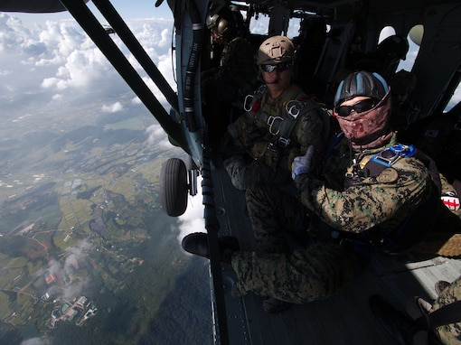 Korean and American SOF Service Members Demonstrate Unity Through Combined Freefall Jump
