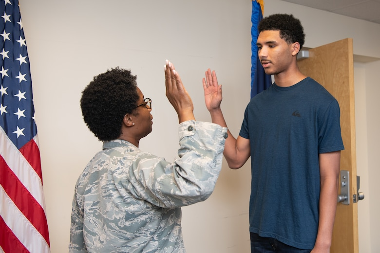 A new member joins the Virginia Air National Guard
