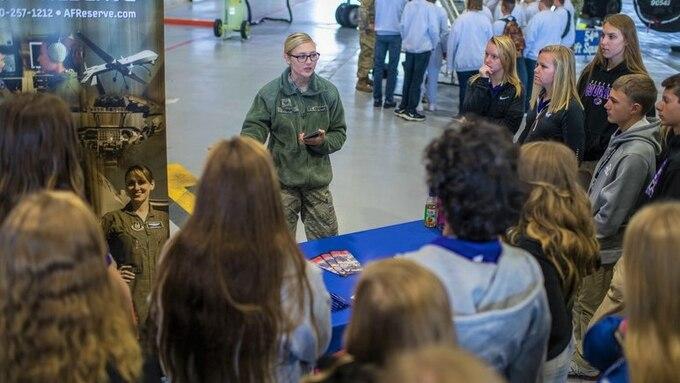 Local JROTC students visit Scott AFB