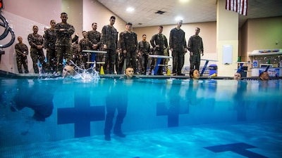 MARFORRES Marines conduct Swim Qualfication