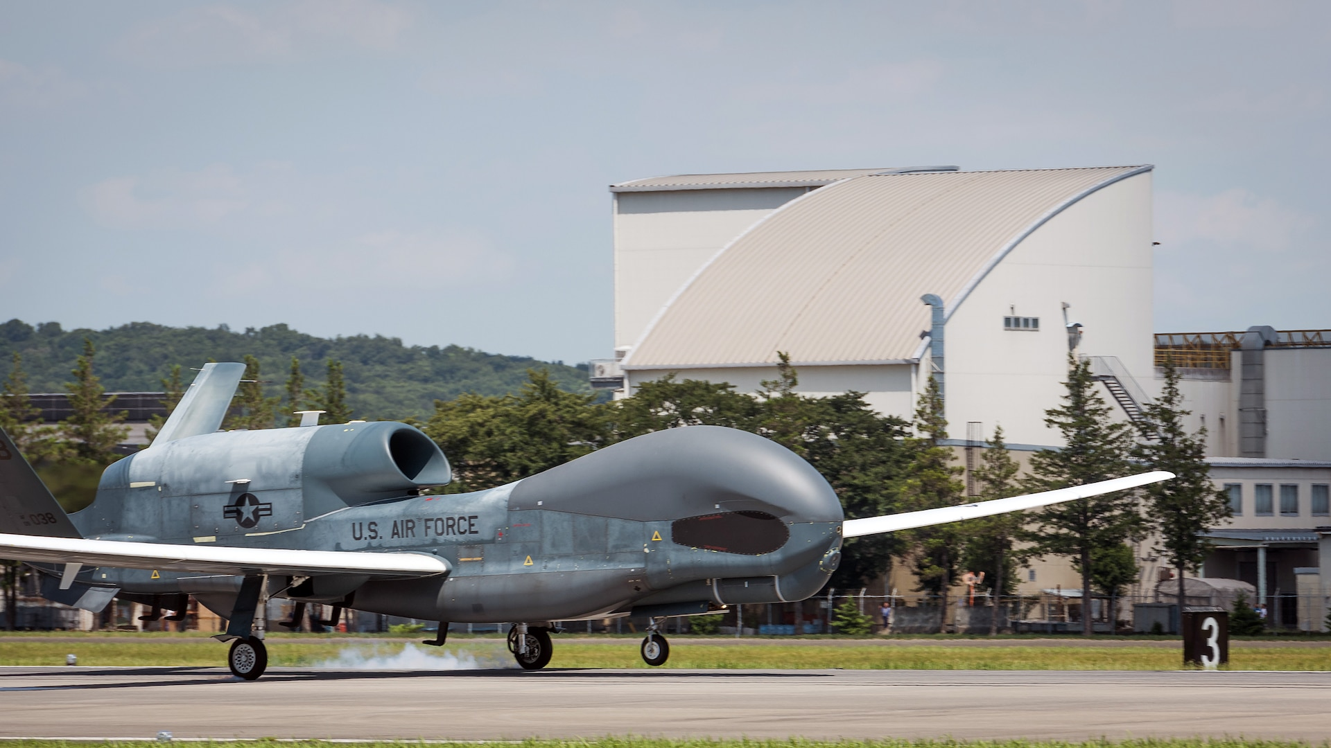 Global Hawk Redeploys from Yokota Air Base to Andersen Air Force Base