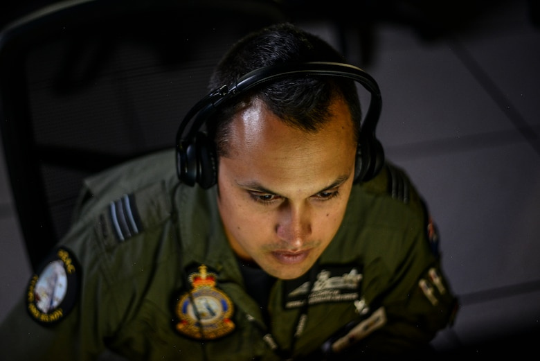 A member of the Royal Australian Air Force takes part in the Exercise Coalition VIRTUAL FLAG 19-4 at Kirtland Air Force Base, N.M., Sept. 10, 2019. Exercise CVF 19-4, is the largest virtual flag to date. (U.S. Air Force photo by Staff Sgt. Kimberly Nagle)