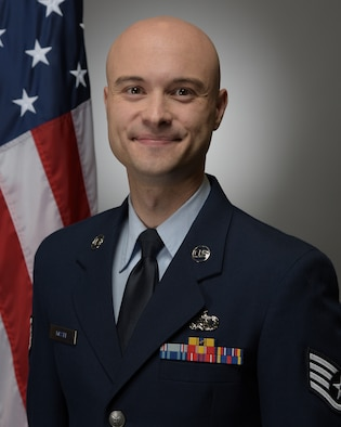 Official photo of SSgt Ryan Missel, oboist with the United States Air Force Band of Mid-America
