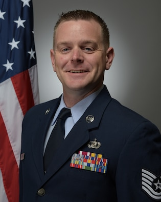 Official Photo of TSgt Ryan Leatherman, saxophonist with the United States Air Force Band of Mid-America