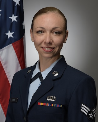 Official photo of SrA Melissa Edgmon, vocalist with the United States Air Force Band of Mid-America