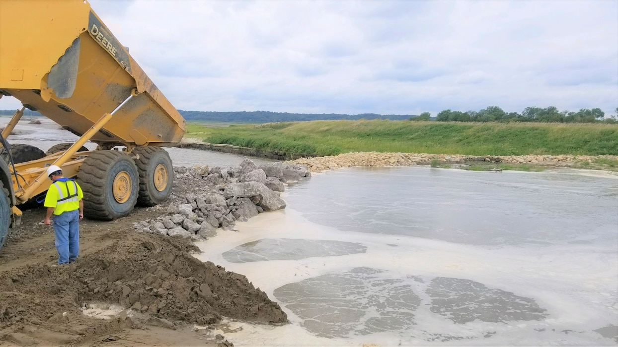 After nearly 45 days, USACE contractors close the north breach of Levee L550 Mar. 24, 2019.