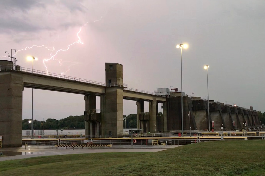 Lightning at Newburgh Locks and Dam