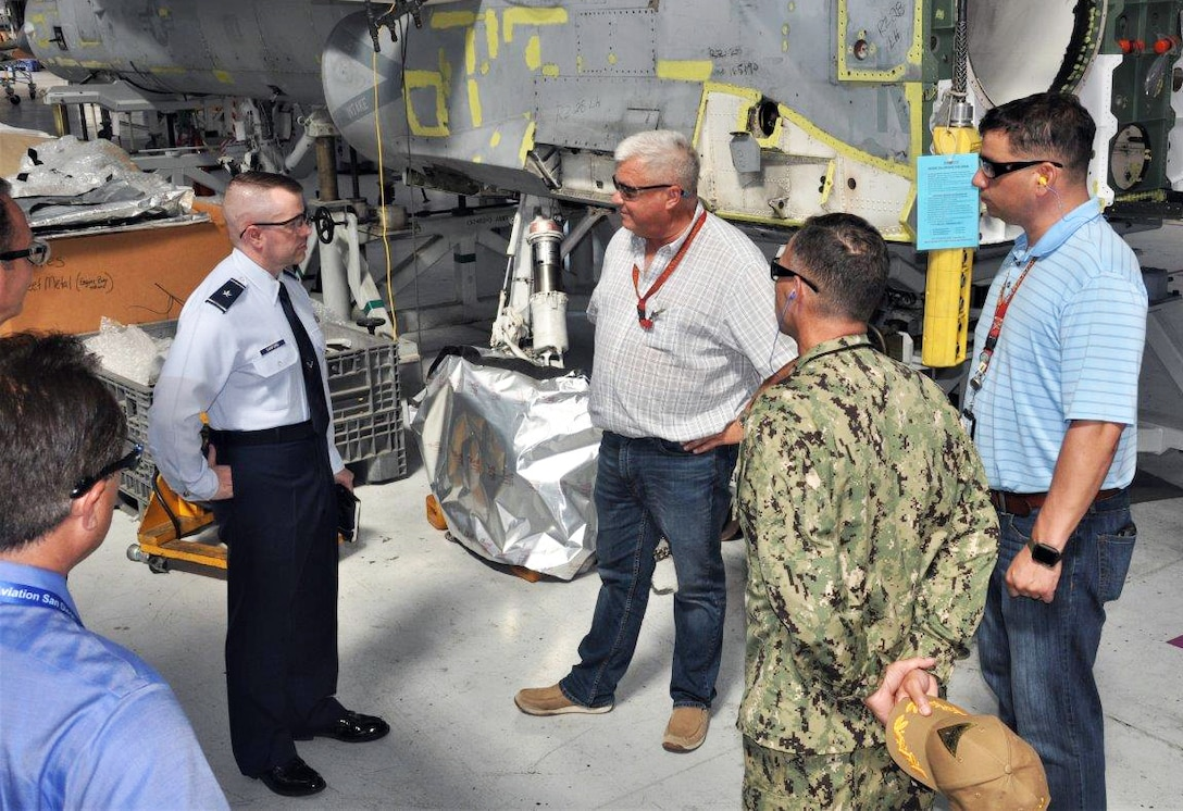 DLA Aviation commander visits San Diego, promotes Commander