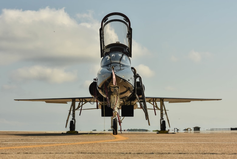 Airmen prepare a T-38 Talon for takeoff