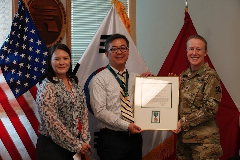 Jay Park receives commander's award.