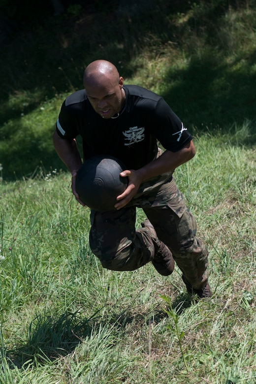 A Connecticut National Guardsman assigned to the 1-102nd Infantry Regiment competes in the physical training portion of the 15th Annual Connecticut SWAT Challenge in West Hartford, Conn., August 15, 2019. The Connecticut SWAT Challenge is a competition that tests the tactical skills of law enforcement officers. (Air National Guard photo by Tech. Sgt. Tamara R. Dabney)
