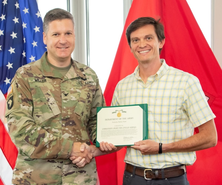 Bailey Hunt receives Commander's Award