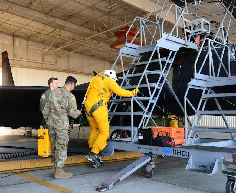 ACC commander immersed in U-2 reconnaissance mission