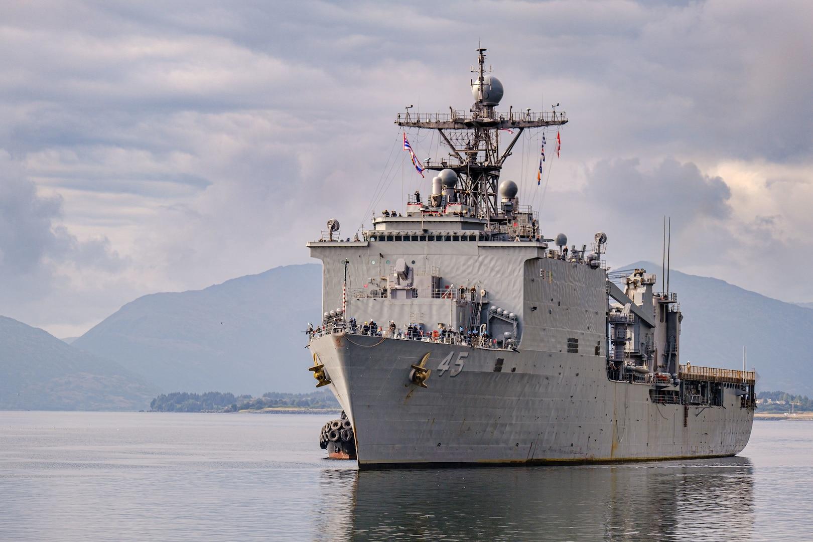 USS Comstock Arrives in Kodiak, Alaska