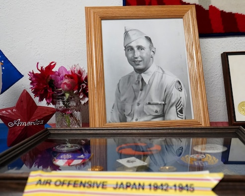 Memorial held honoring WWII era member of the 123rd