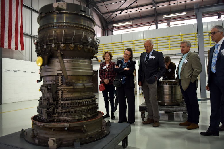 High sheriffs look at an F-15 Eagle engine