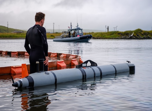 Alaska Unit Succeeds in Arctic Test of Unmanned Vehicles, Anti-Mine Systems