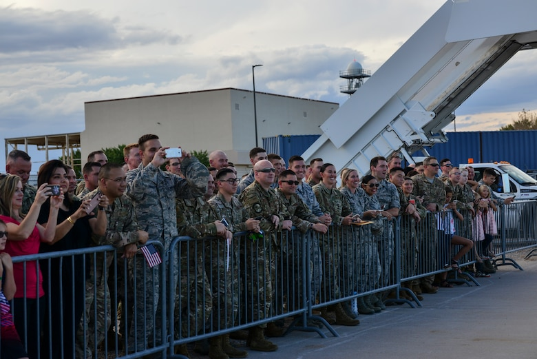 Members of Team Kirtland prepare for for President Donald J. Trump to land at Kirtland Air Force Base, N.M., Sept. 16, 2019. After departing Joint Base Andrews, Md., the President landed at Kirtland and was greeted by members of the base. (U.S. Air Force photo by Staff Sgt. Kimberly Nagle