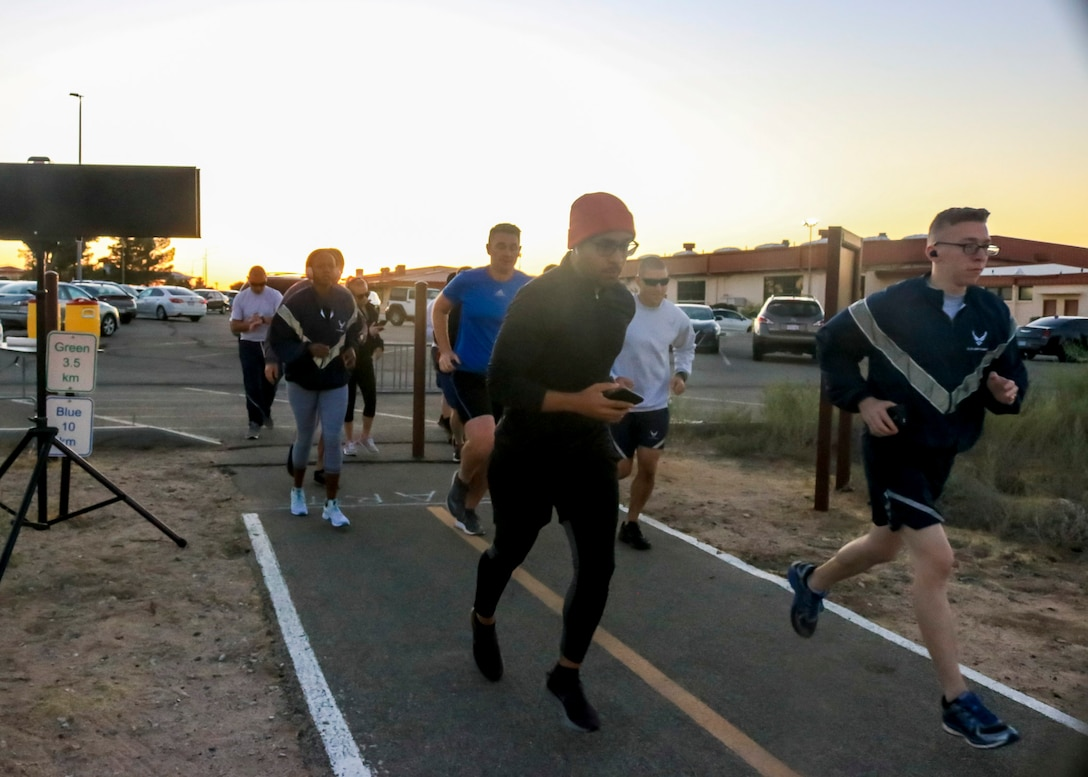 Team Edwards members run the Air Force Birthday 5k Run at Edwards Air Force Base, California, Sept. 18. (U.S. Air Force photo by Giancarlo Casem)