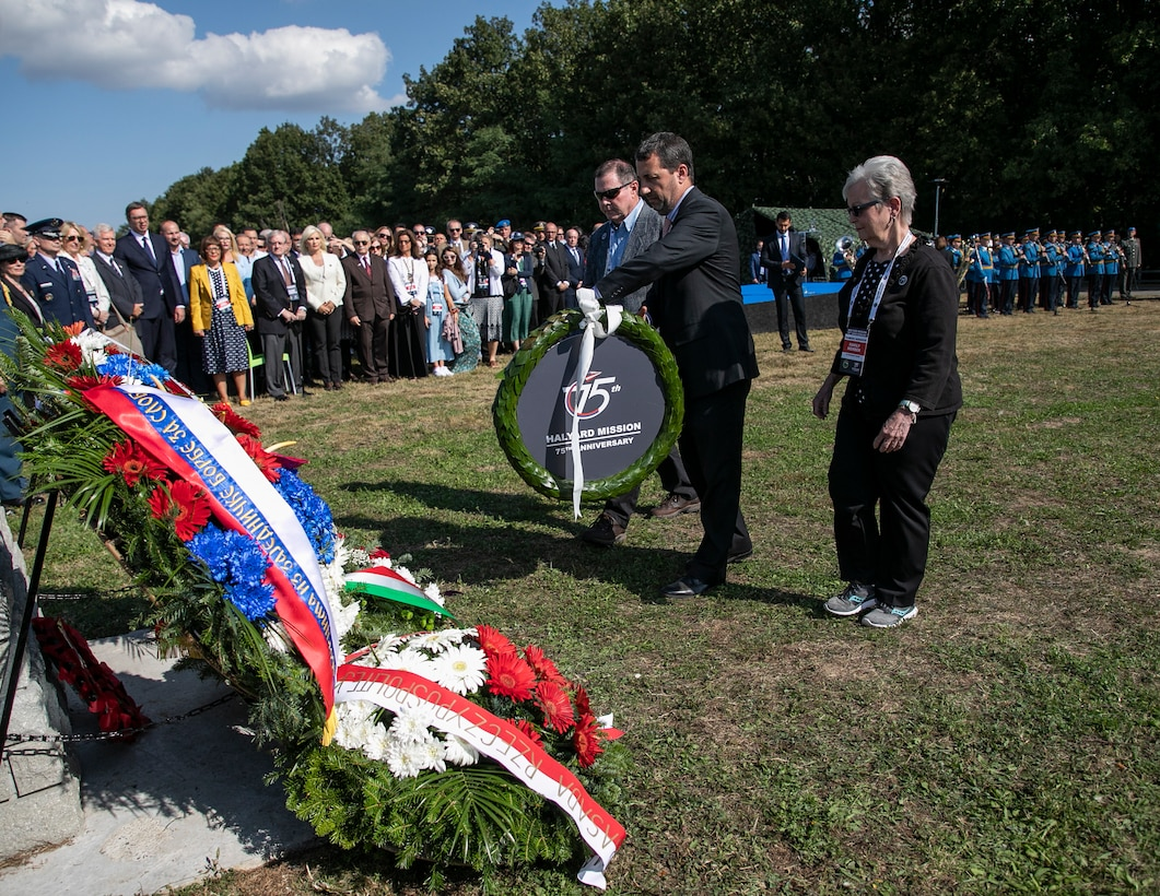 US, Serbians, commemorate 75th anniversary of daring WWII rescue