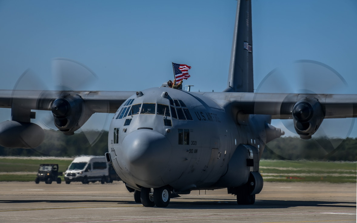 Youngstown Air Reserve Station Reserve Citizen Airmen and four aircraft assigned to the 757th Airlift Squadron, returned home on Sept. 18, 2019, from a four-month deployment to Southwest Asia.