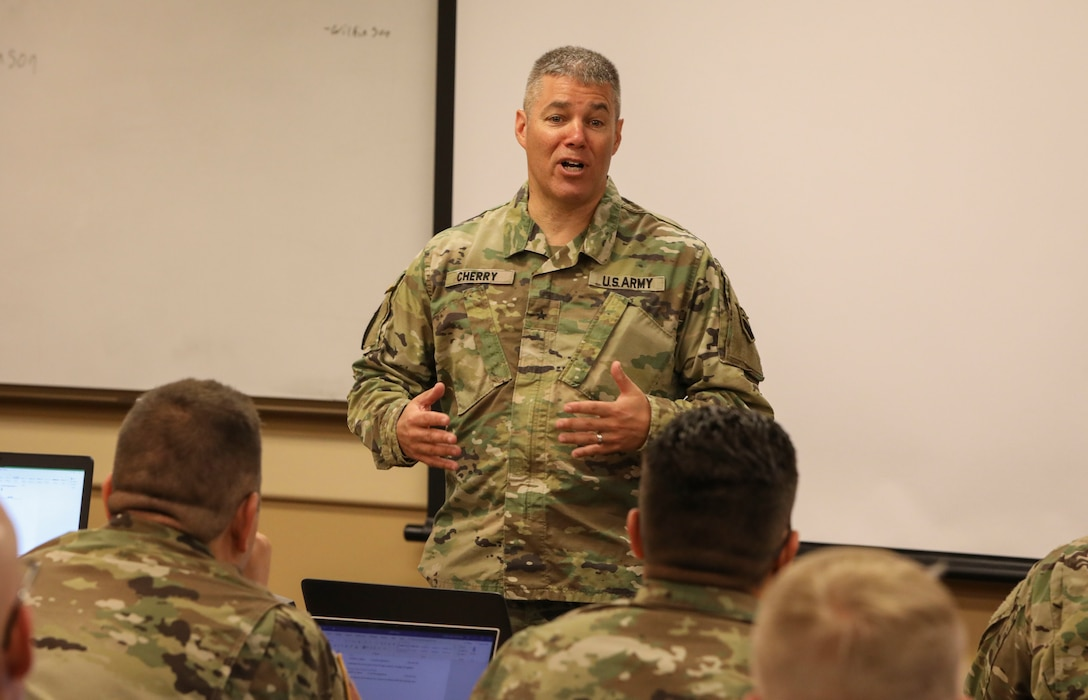 Division hosts Sabot Academy; prepares Soldiers for new Senior Gunner Course