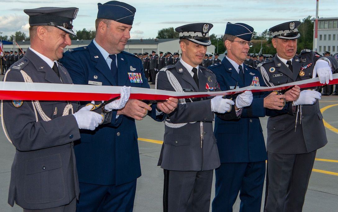 Runway at Łask Air Base, Poland reopens, increases U.S. and Polish military abilities in region