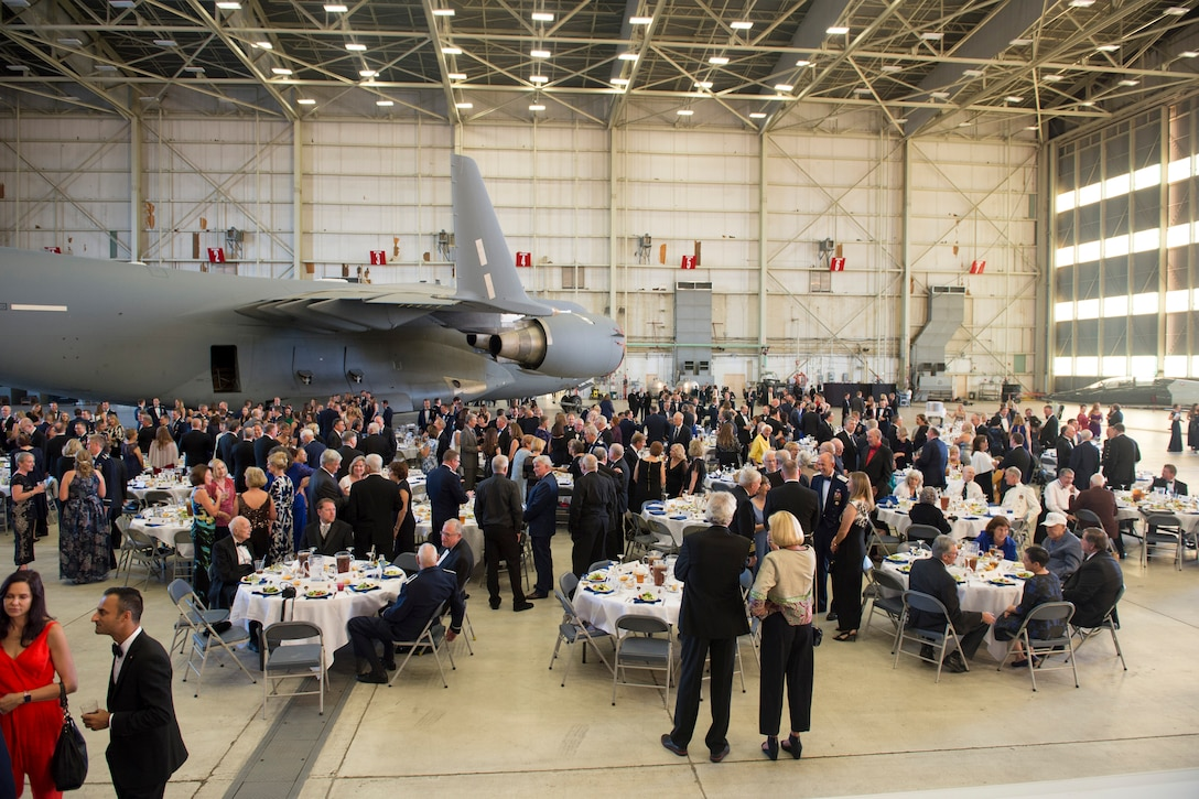 More than 200 Air Force Test Pilot School alumni, their families and friends attend the TPS 75th Anniversary dinner at Edwards Air Force Base, California, Sept. 21. (U.S. Air Force photo by Jenna Romo)