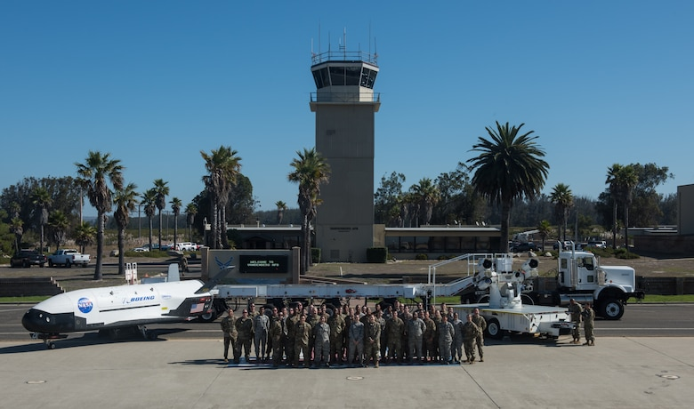 Chief Master Sergeant of the Air Force Kaleth O. Wright visits with Airmen from the 30th Operations Group Sept. 25, 2019, at Vandenberg Air Force Base, Calif. Wright visited Vandenberg AFB to meet with Airmen who actively support spacelift and launch operations on the Western Range. (U.S. Air Force photo by Michael Peterson)