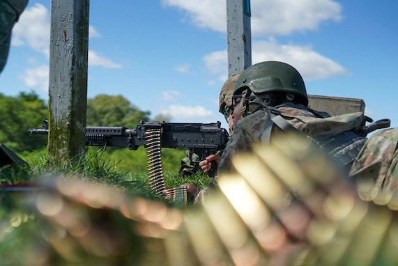 Civil Affairs Soldiers conduct M240B training