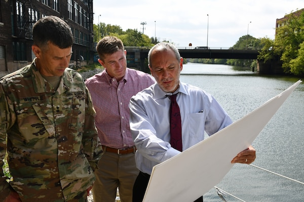 Mike Padilla (right), U.S. Army Corps of Engineers Chicago District project manager, speaks to Maj. Gen. Robert F. Whittle, Jr., commanding general of the USACE Great Lakes and Ohio River Division, about Bubbly Creek in Chicago Sept. 25. Joseph Savage (center), the division's regional business director, looks on. The general took time to visit the districts within the division and meet USACE employees since taking command in July. The general's tour of Chicago District projects, potential projects and sites included Indiana Harbor and Canal confined disposal facility, Bubbly Creek in Chicago, the Asian-Carp electric dispersal barrier, the Metropolitan Water Reclamation District of Greater Chicago's mainstream pumping station, the McCook Reservoir phase one and two, Northerly Island in Chicago, the Chicago Harbor and Lock, and the Department of Veterans Affairs Hospital in Hines, Illinois. (U.S. Army photo by Patrick Bray/Released)