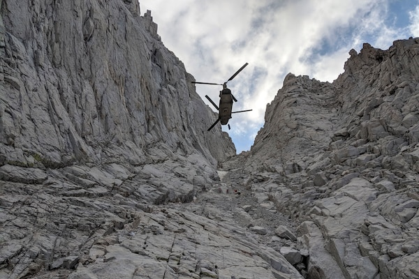 Army CH-47F Chinook helicopter assigned to B Company, 1st