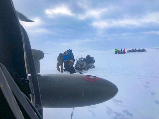 Alaska Army Guard Helps Rescue Iditarod Mushers after Hitting Seawater Overflow