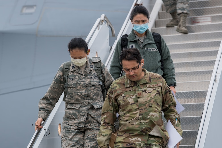 Reserve medics from the 433rd Airlift Wing, Joint Base San Antonio-Lackland, Texas, report for duty 48 hours after being notified they were mobilizing. (Staff Sgt. Sean Evans)