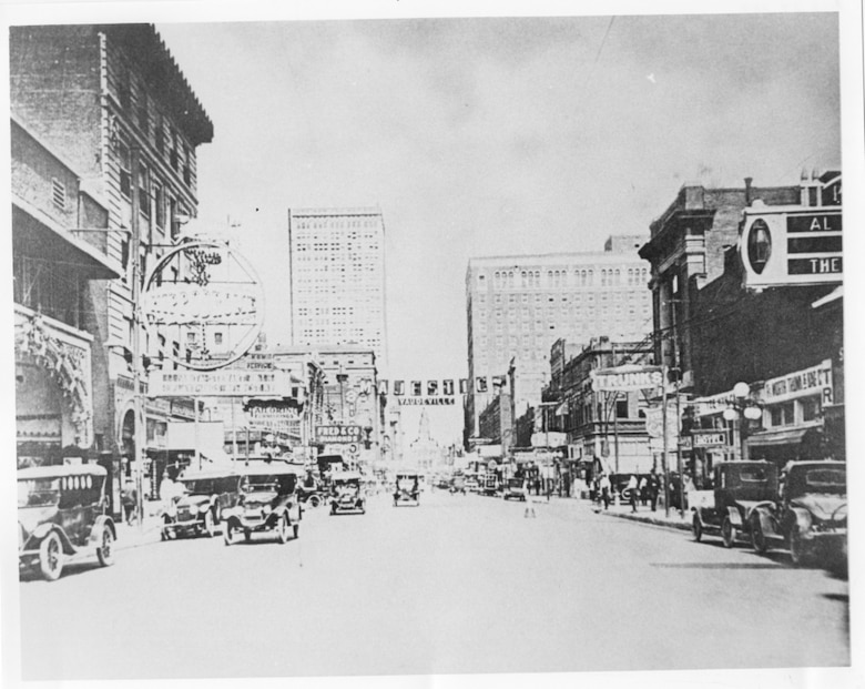 Photo of Main Street in Fort Worth in the 1920's