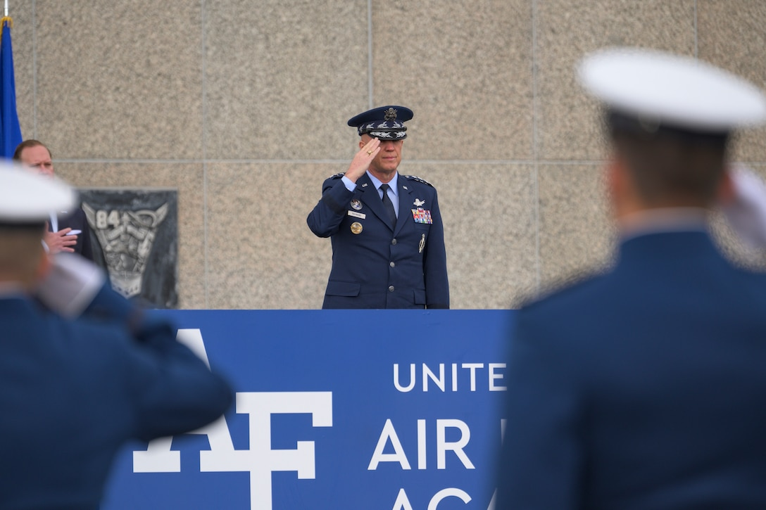 """Gen. John W. """"Jay"""" Raymond, Chief of Space Operations, administers the U.S. Space Force Oath of Office to the Eighty-Six Space Force Cadets during the U.S. Air Force Academy Class of 2020 graduation at the Air Force Academy in Colorado Springs, Colo."""