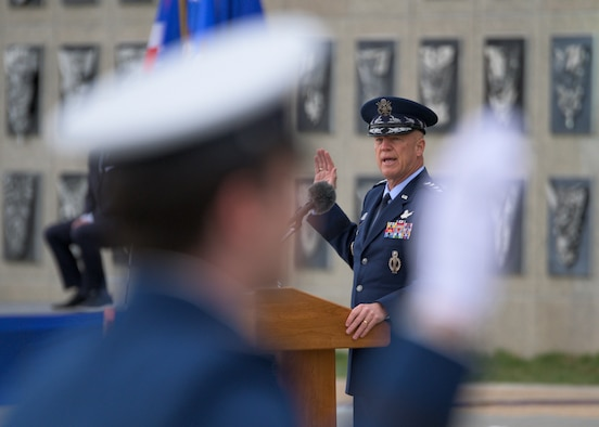 "Gen. John W. ""Jay"" Raymond, Chief of Space Operations, administers the U.S. Space Force Oath of Office to the Eighty-Six Space Force Cadets during the U.S. Air Force Academy Class of 2020 graduation at the Air Force Academy in Colorado Springs, Colo."