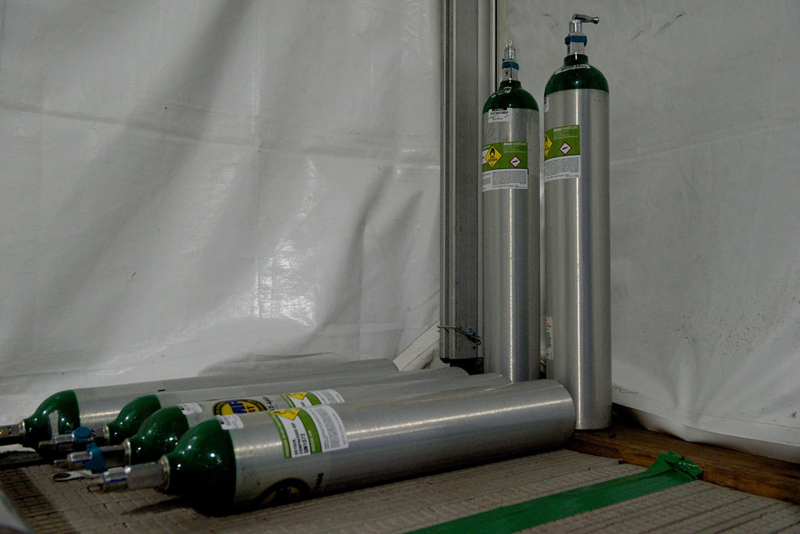 DLA Distribution Tobyhanna provides oxygen tanks for hard-hit COVID-19 cities