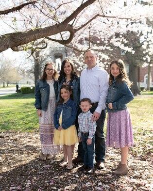 Maj Chris Harmer, wife Shelley, and children